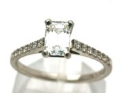 Diamantring med sidediamanter GG1966